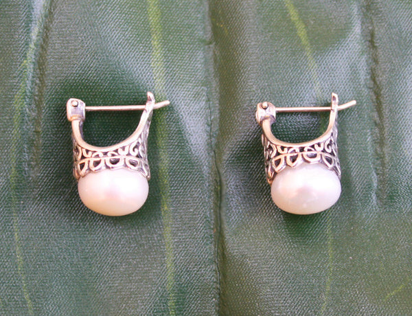 Kasih Pearl Earrings #152-a