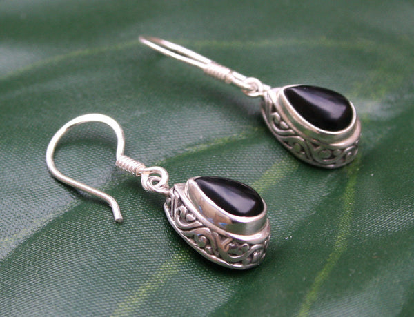 Antik Onyx Earrings #153-c