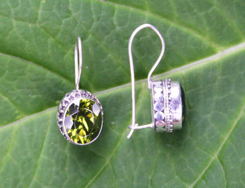 Permata Peridot Earrings #135-b