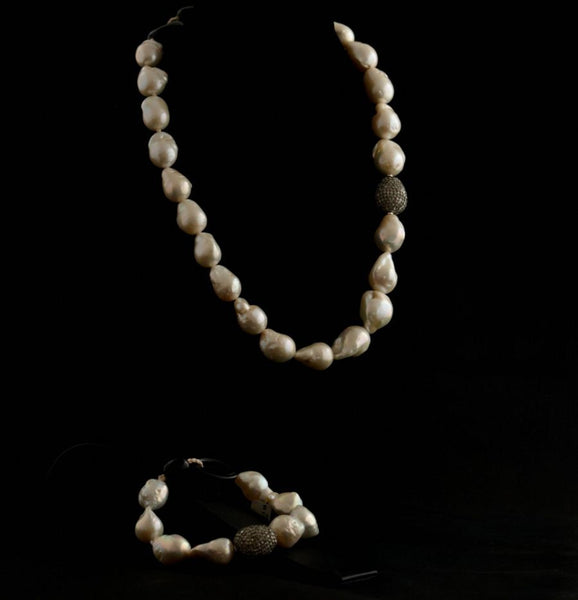 Baroque Pearls Necklace and Bracelet Set