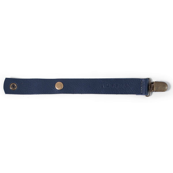 Maddie leather pacifier clip - Navy