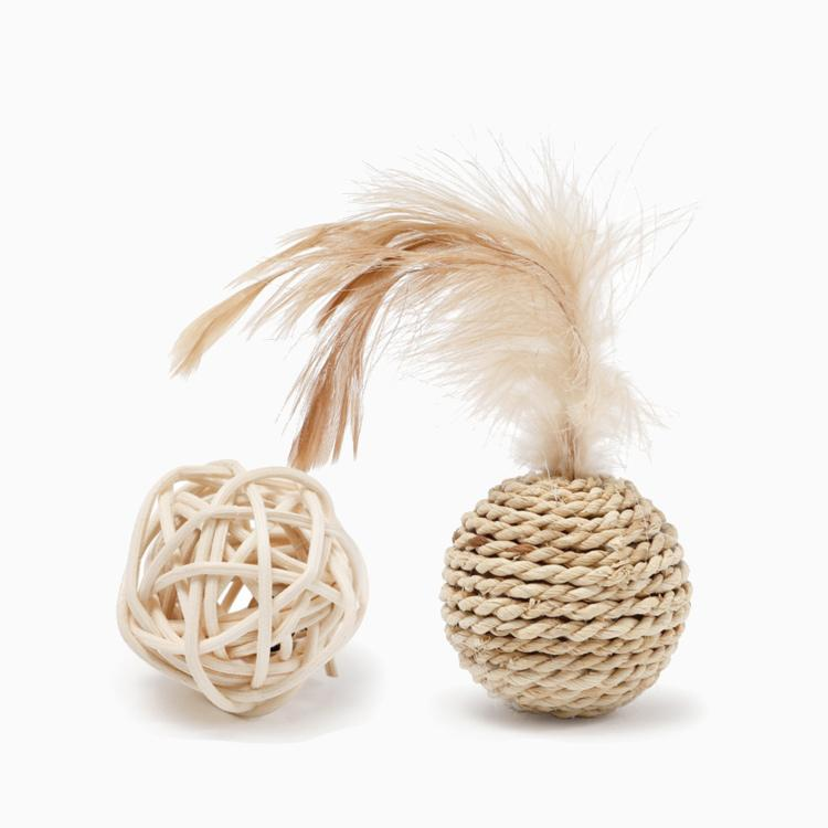 Interactive Bell & Feather Ball Set - Pawsome Couture