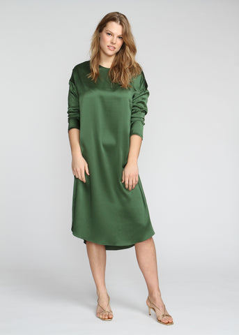 SILKY T DRESS IN GREEN