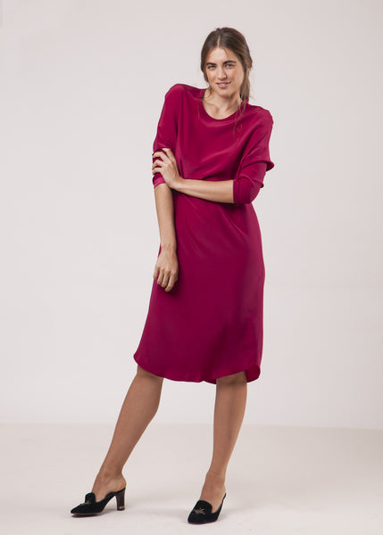 THE SILKY T DRESS - BERRY - NEW