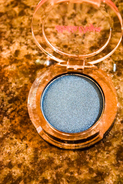 BellaVxyn's Midnight Blue Eyeshadow