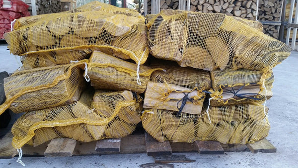Kiln Dried Oak 10kg nets 16 nets delivered - logsandfuel