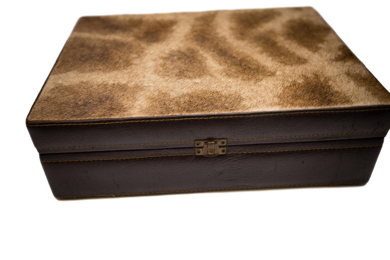 GIRAFFE - Stationary/Cigar Box - Trophy Room Collection