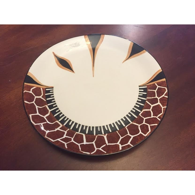 Giraffe dinner plate - Trophy Room Collection