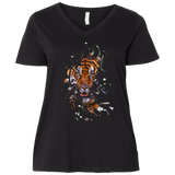 Disappearing Tiger Ladies Curvy T-Shirts