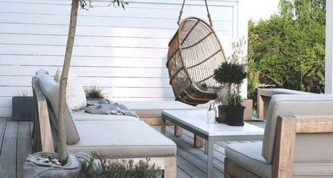 THE TOP FIVE MISTAKES TO AVOID WHEN SELECTING AN OUTDOOR LOUNGE