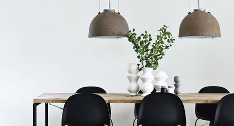 HOW TO STYLE YOUR DINING TABLE<br>(WHEN IT'S NOT BEING EATEN AT!)<br>