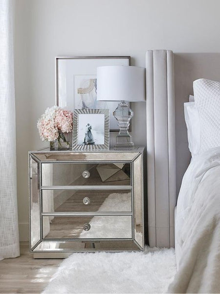Mirrored Bedroom Furniture Deserves The Hype