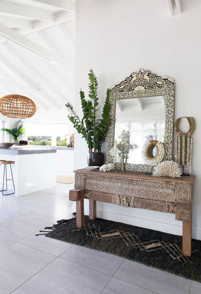 4 Mirror Decorating Trends You Need To Know