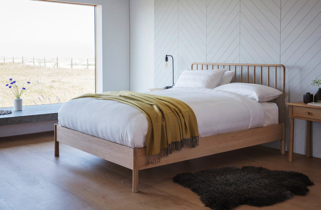 Wyn Spindle Bed King