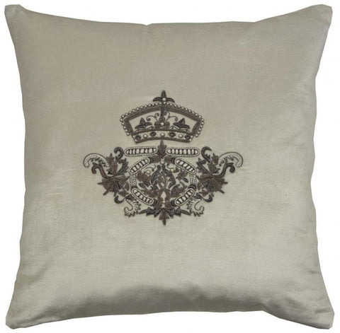 Crown and Pearls Cushion Vanilla