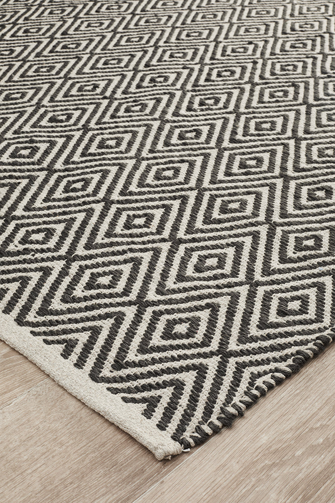Modern Flatweave Diamond Design Black Rug