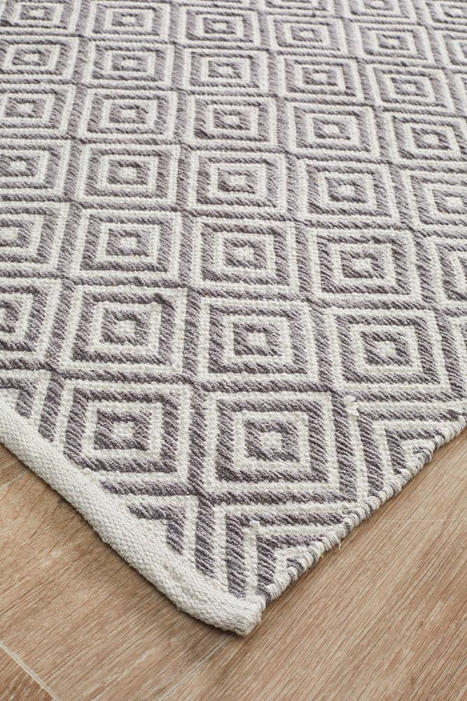 Villa Modern Diamond Rug Grey and White