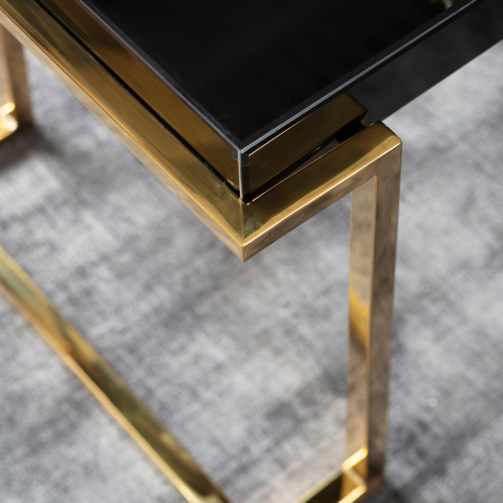 Dalby Black Mirrored Side Table