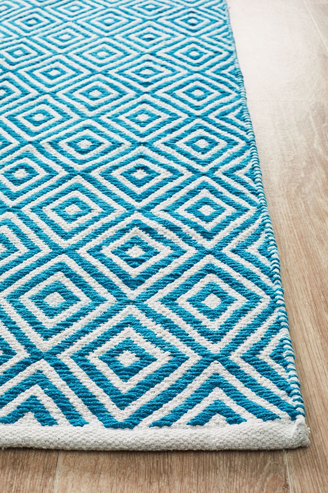 Villa Modern Diamond Rug Turquoise and White