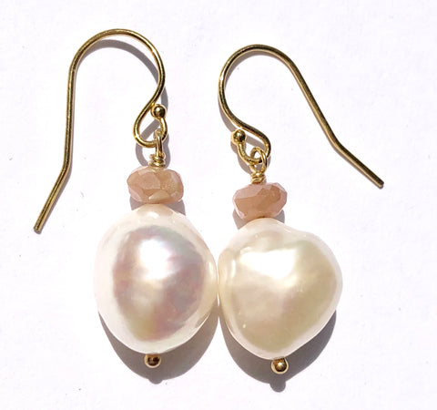 Peachy Pearl Earrings