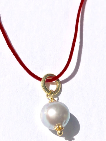 Velvet & Pearl Necklace