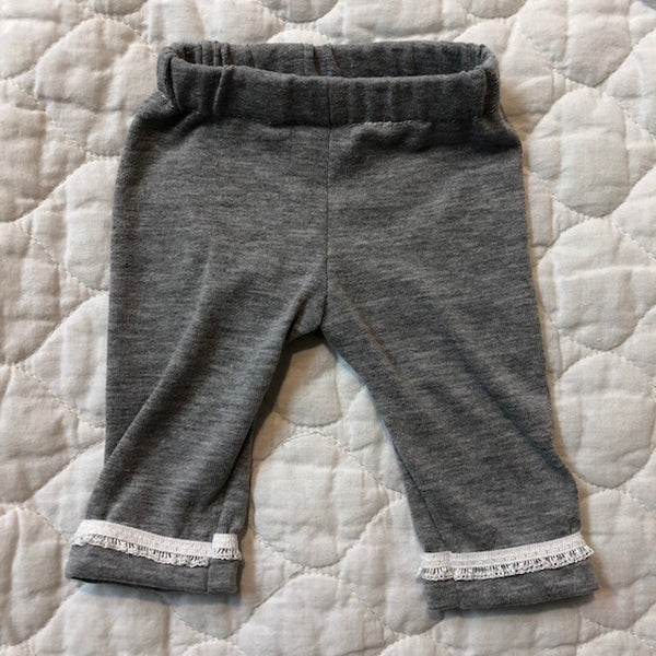 Crop pants- grey with lace trim