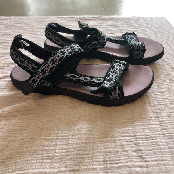 Size 3 Airwalk Sandals