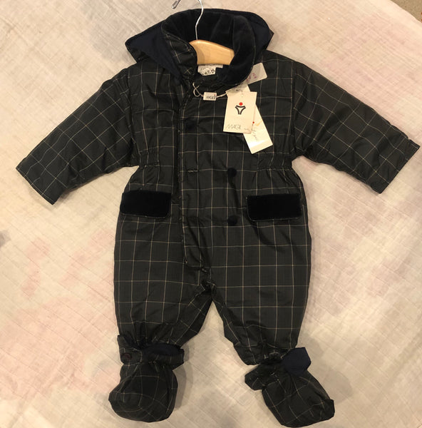 6M Magil Snow Suit