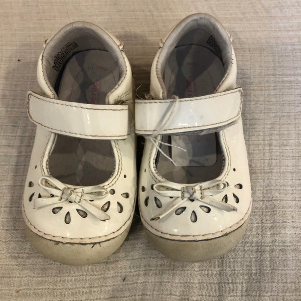 Size 5 Stride Rite White Patent Mary Janes