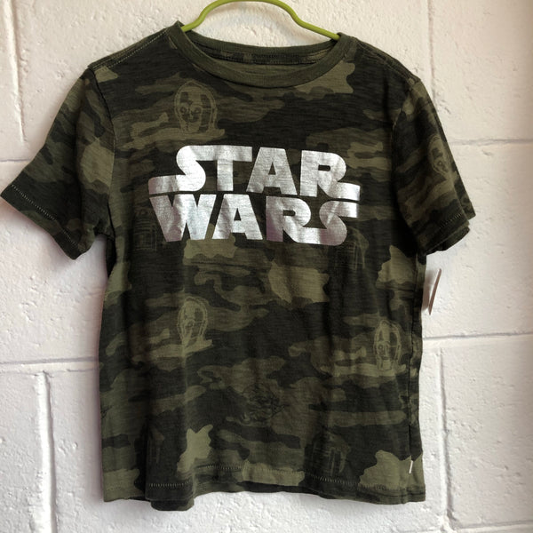 Size 6/7 Gap Star Wars T-Shirt