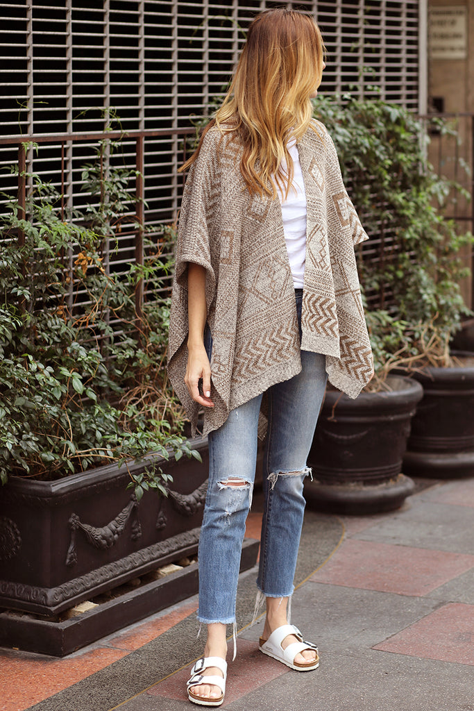 KNIT PONCHO - CREAM & WHITE