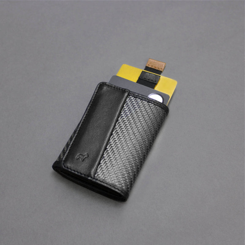 Carbon Fiber Speed Wallet Mini Black with cards out