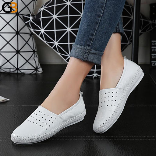 High Quality Women's Genuine Leather Slip On Round Toe Flat Shoes - SolaceConnect.com