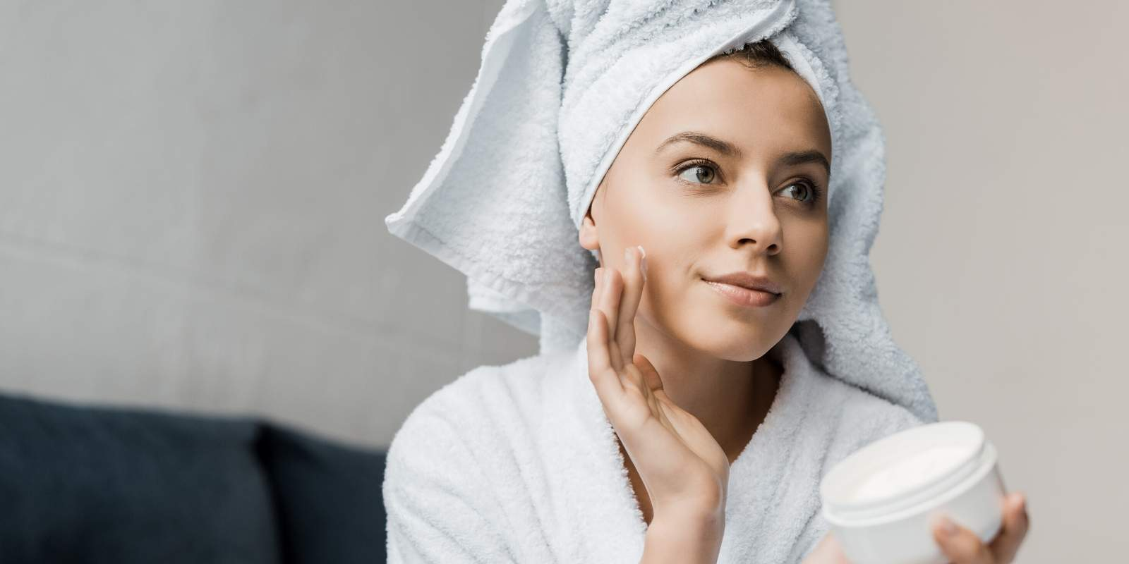 How To Do An At Home Facial: 6 Simple Steps To Emulate The Spa Experience