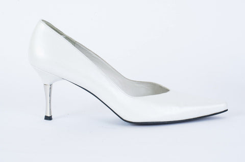 Pre-owned Stuart Weitzman Ivory Solid Pumps Size 9.5