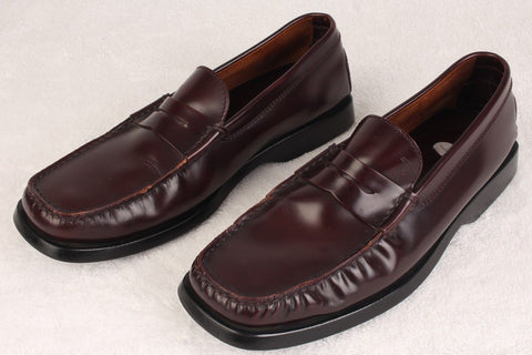 Pre-Worn Men's JP Tod's Burgundy Loafers Size 9 M
