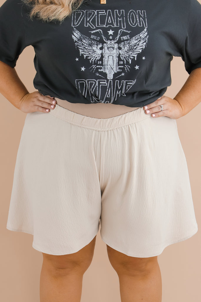 CURVY: Romantic Views Dress Shorts