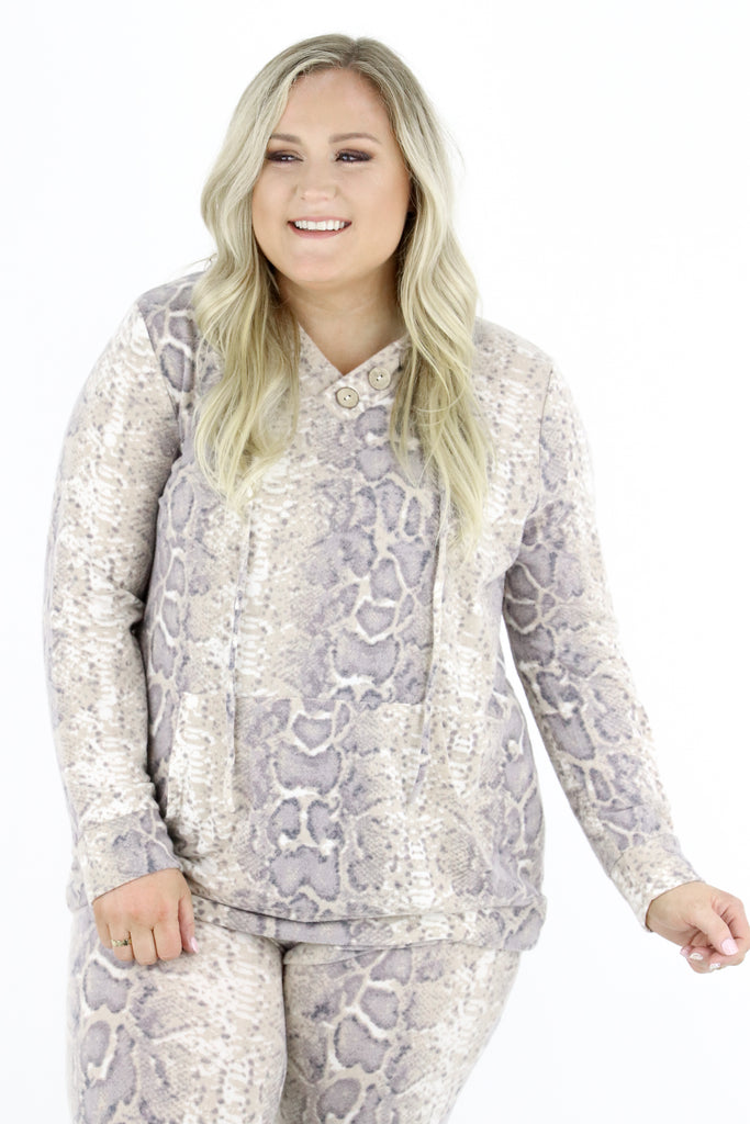 CURVY: The Need To Know Pullover