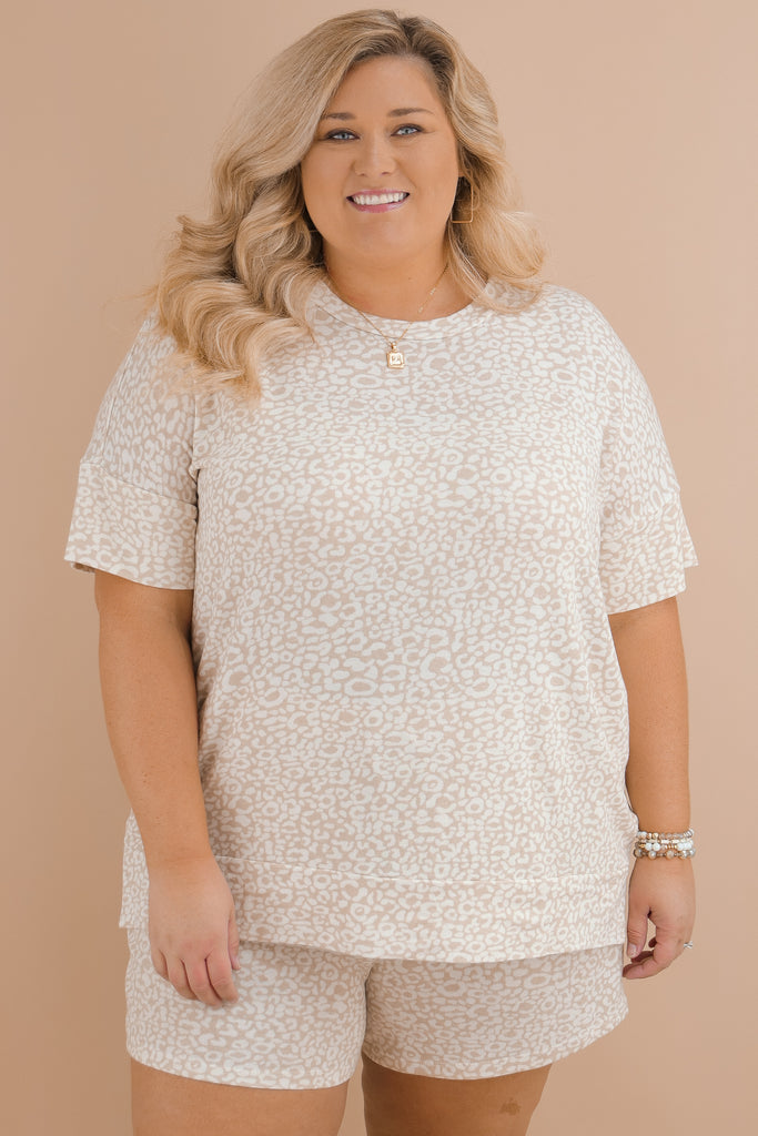 CURVY: Never Go Unnoticed Printed Top