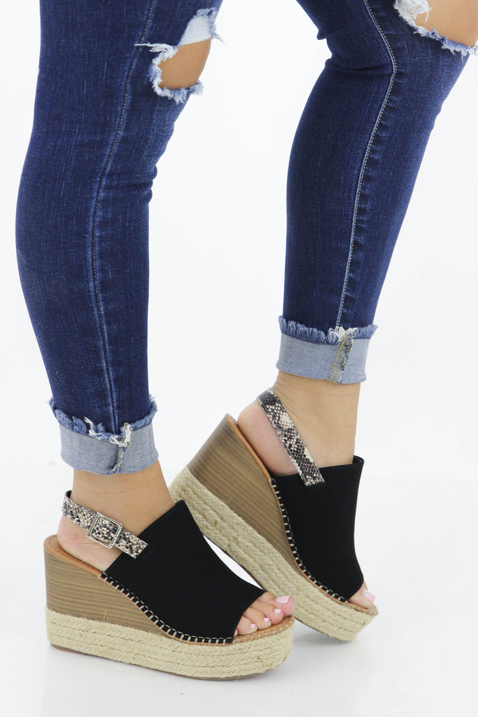 Effortless Style Wedge