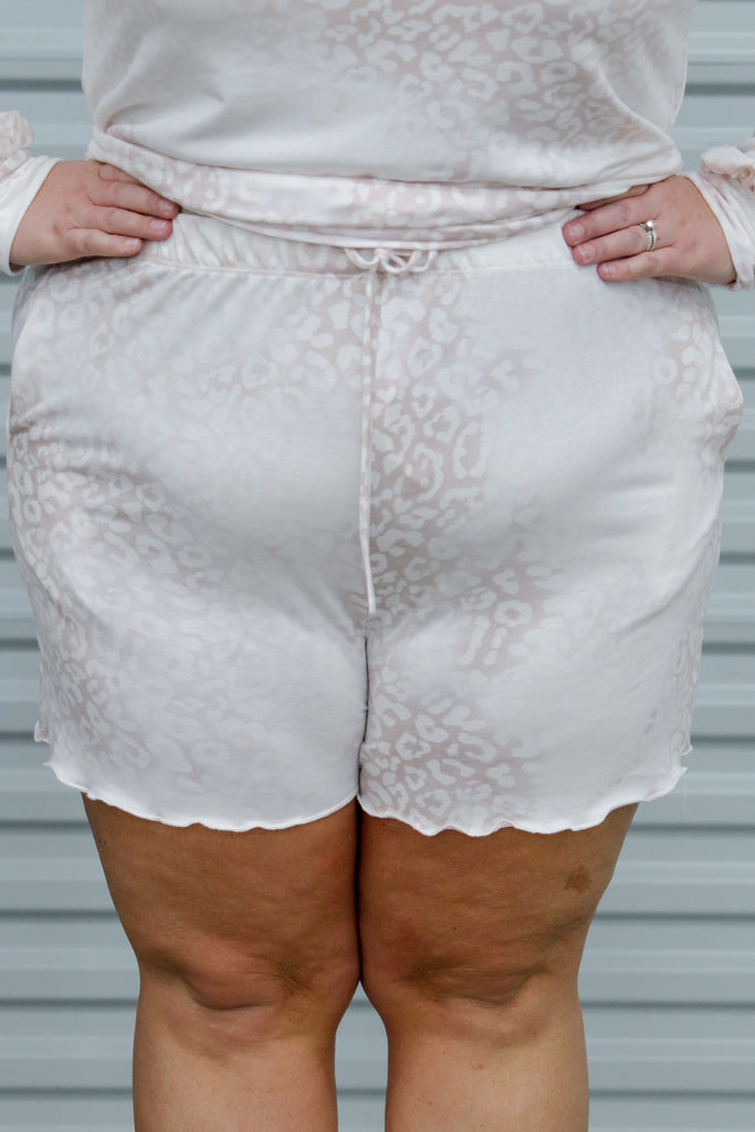 CURVY: Direct Me To You Shorts