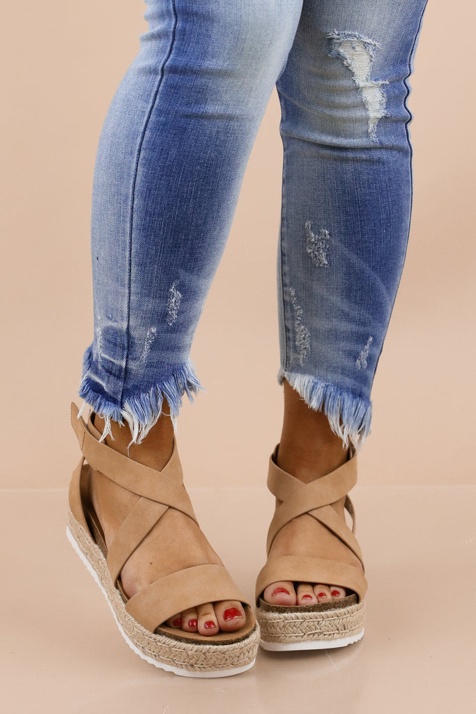 A Perfect Connection Platform Sandal