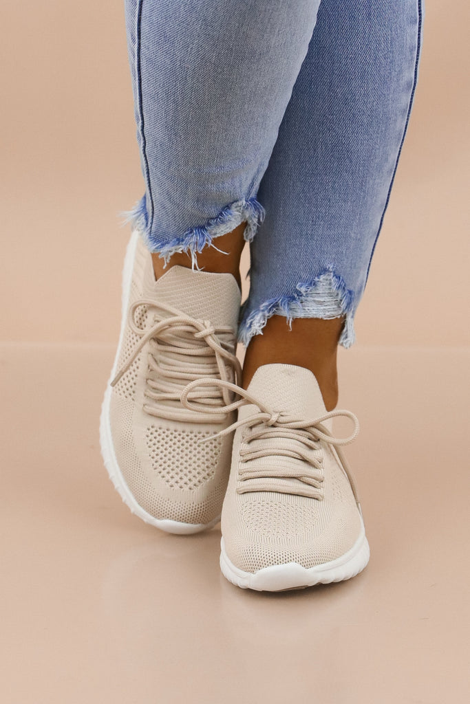 Ready To Roam Lace Up Sneaker