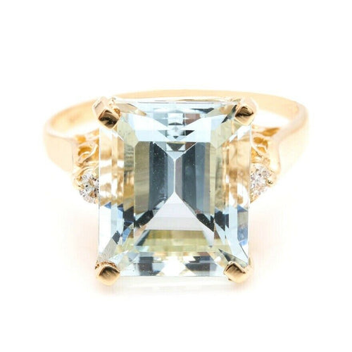 6.58 Carats Impressive Natural Aquamarine and Diamond 14K Yellow Gold Ring