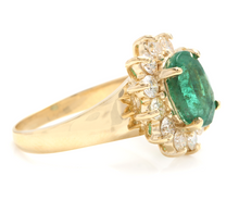 Load image into Gallery viewer, 4.40 Carats Natural Emerald and Diamond 14K Solid Yellow Gold Ring