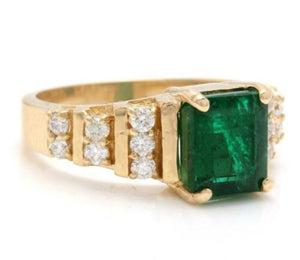 2.80 Carats Natural Emerald and Diamond 14K Solid Yellow Gold Ring