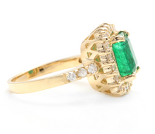 Load image into Gallery viewer, 4.10 Carats Natural Emerald and Diamond 18K Solid Yellow Gold Ring