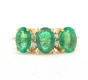 2.50 Carats Natural Emerald and Diamond 14K Solid White Gold Ring
