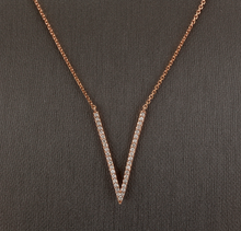 "Load image into Gallery viewer, 0.45Ct Stunning 14K Solid Rose Gold Diamond ""V"" Necklace"