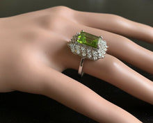 Load image into Gallery viewer, 7.00 Carats Natural Peridot and Diamond 14k Solid White Gold Ring